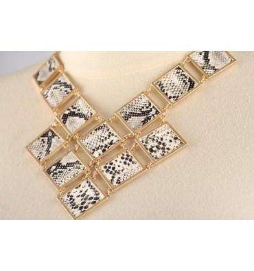 http://www.cyonpark.com/shop/201-thickbox_default/arlita-snakeskin-necklace.jpg